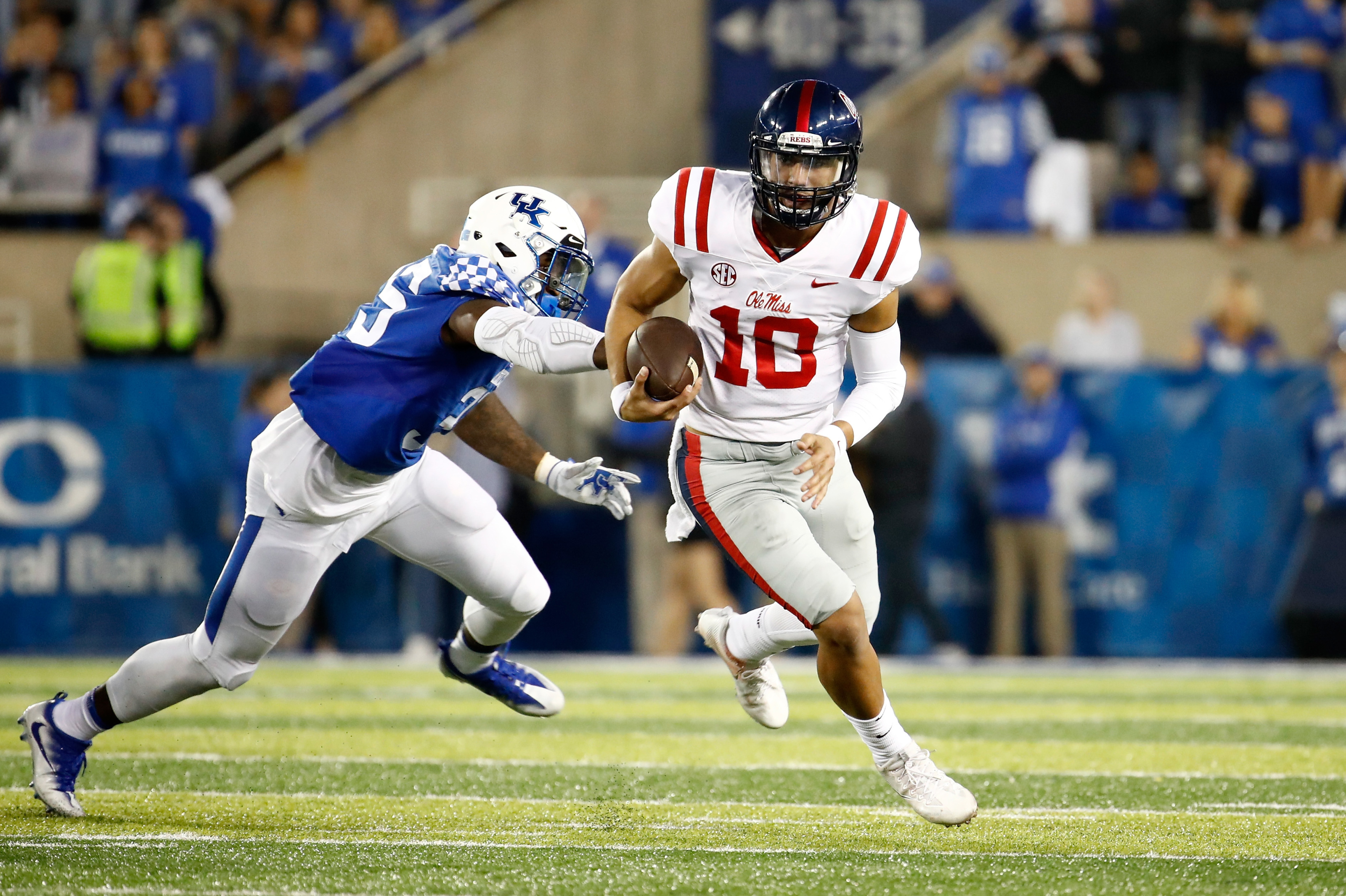 Ole Miss Football A Look At The 2018 Rebels Quarterbacks
